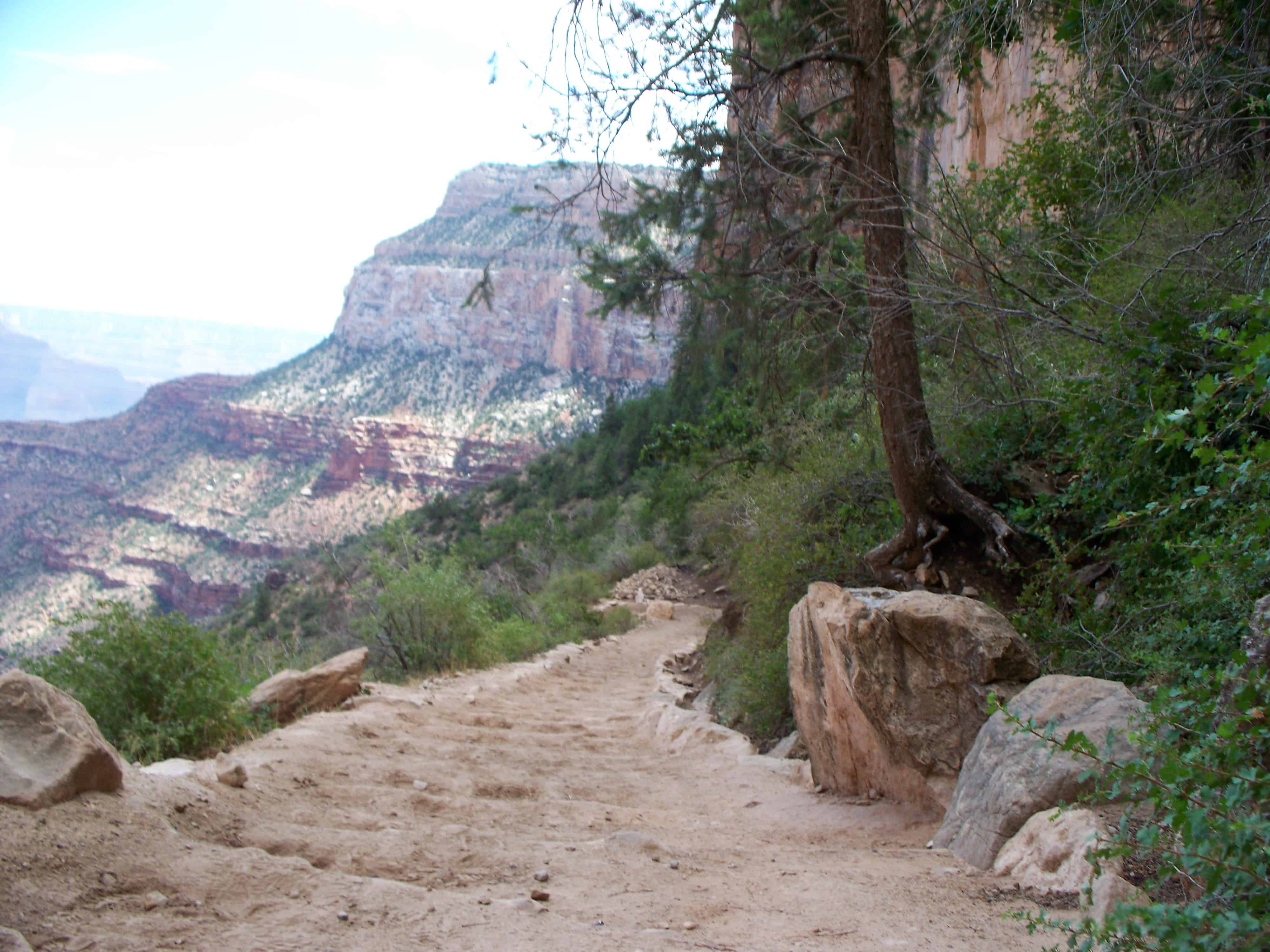 Things to do at grand canyon south rim bright angel trail