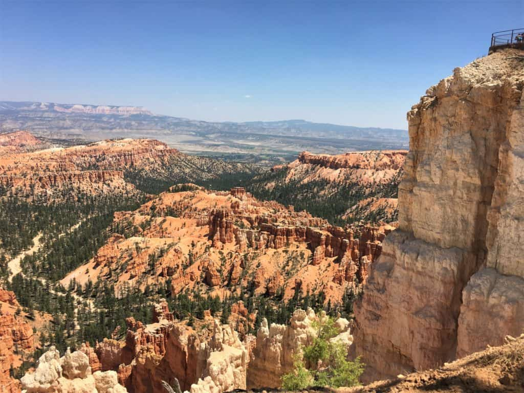 View from Bryce Canyon Inspiration Point along Bryce Canyon Rim Trail #walkingtheparks #BryceCanyon #hiking